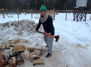 Вот как надо дрова колоть